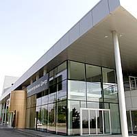 Структурное и полуструктурное остекление фасада