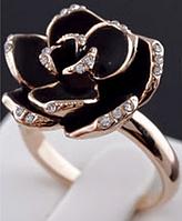 "Кольцо ""Черная роза в золоте"""