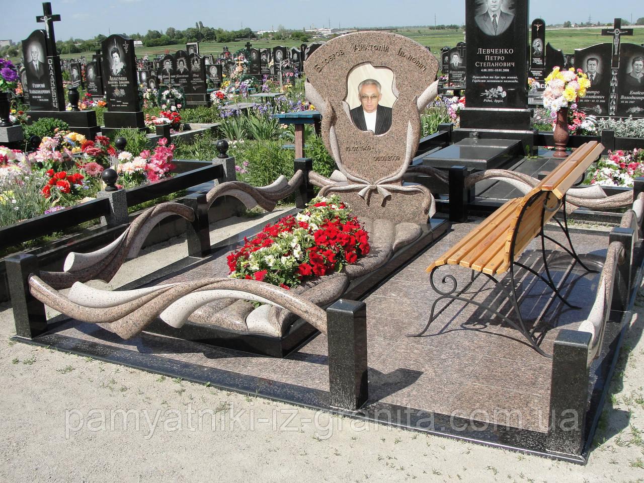 Памятник в виде цветка № 3