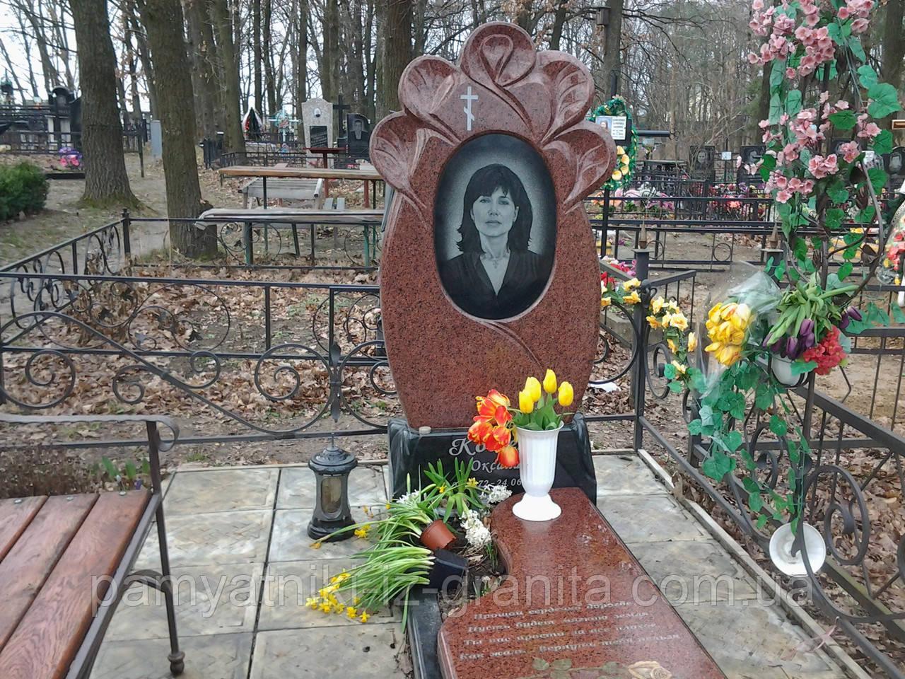 Памятник в виде цветка № 7