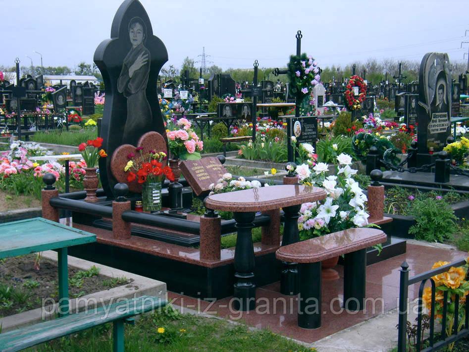 Памятник в виде цветка № 15