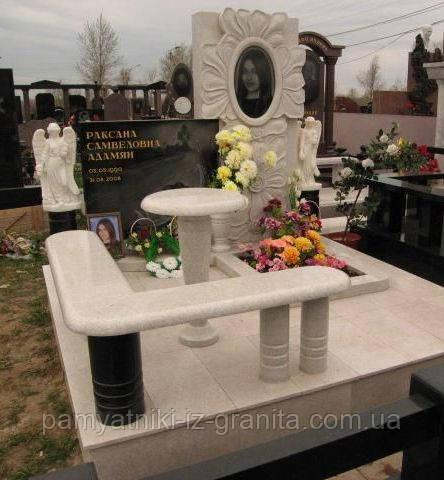 Памятник в виде цветка № 18
