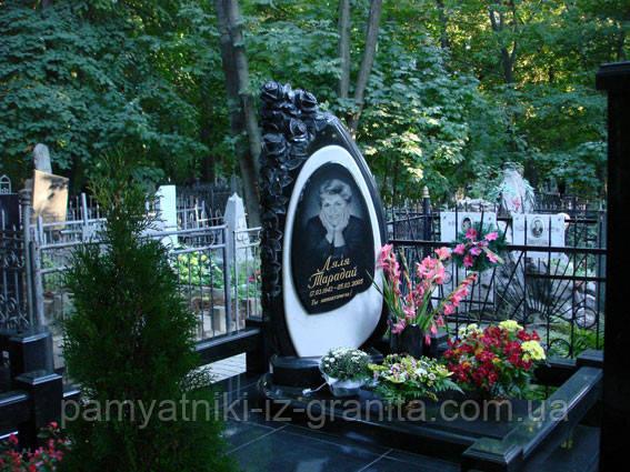 Памятник с цветами № 19