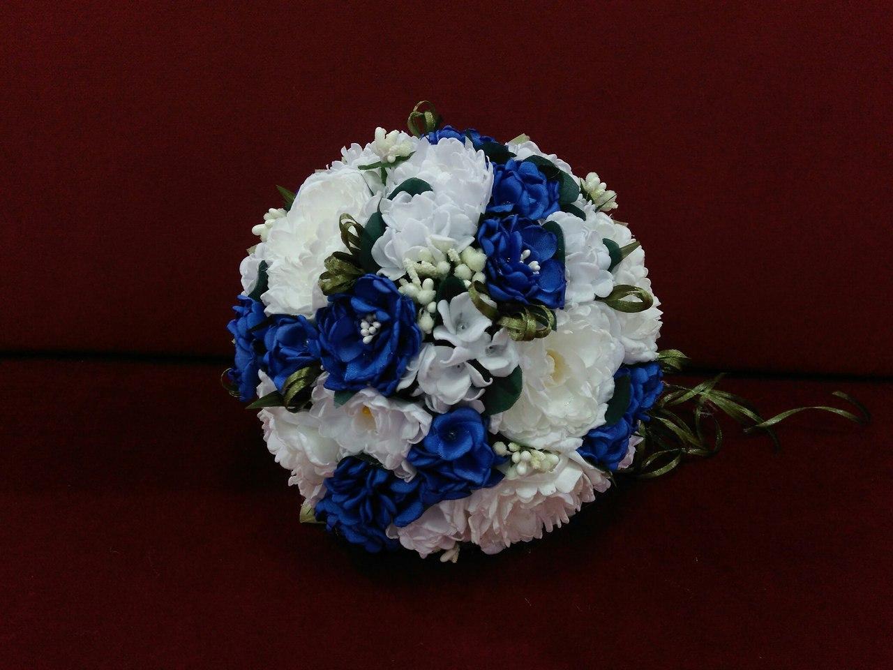 Свадебный букет-дублер из пионов белый с синим