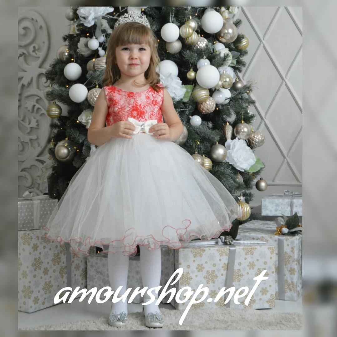 Красно-белое детское нарядное платье.