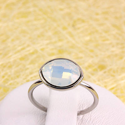 R13-0042 - Кольцо с кристаллом Swarovski Navette Crystal Moonlight родий, 17.5 р.