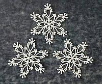 Вышитая снежинка-паутинка