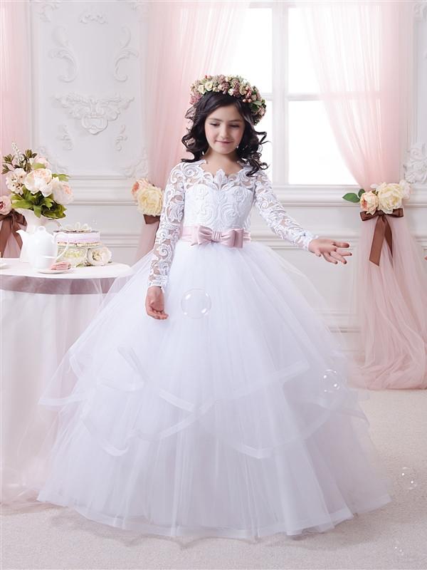 Платье белое длинное детское с длинным ажурным рукавом. От года до 11 лет
