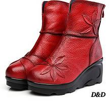 Женские ботинки из натуральной кожи на танкетке красные 39 размер