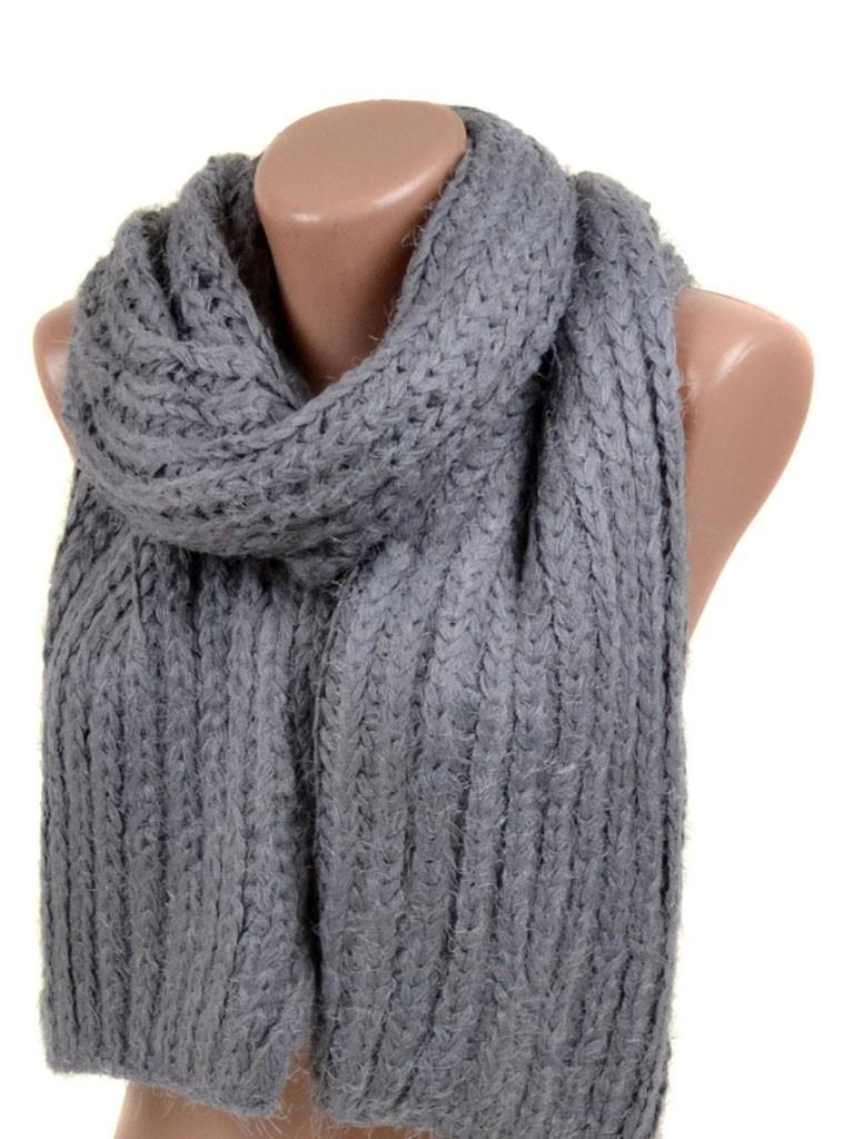Вязаный серый шарф