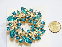 Брошь, Цветок, Венок, Цинковый сплав, Стразы голубые, Цвет: Золото