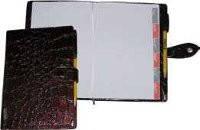 Ежедневник на кнопке «Идеал» 112л.  + высечка регистров по месяцам Ф-140х206 (блок офсетная бумага 80г/м2, печ