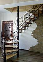 Винтовая кованая, поворотная лестница в дом.