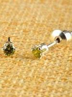 Яскраві сережки-пуссети з фианитом від студії LadyStyle.Biz