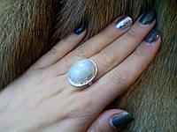 Кольцо овальное с натуральным камнем - лунный камень в серебре.Кольцо с лунным камнем.Размер 18,5., фото 1