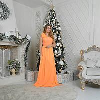 Длинное оранжевое ассиметричное платье.