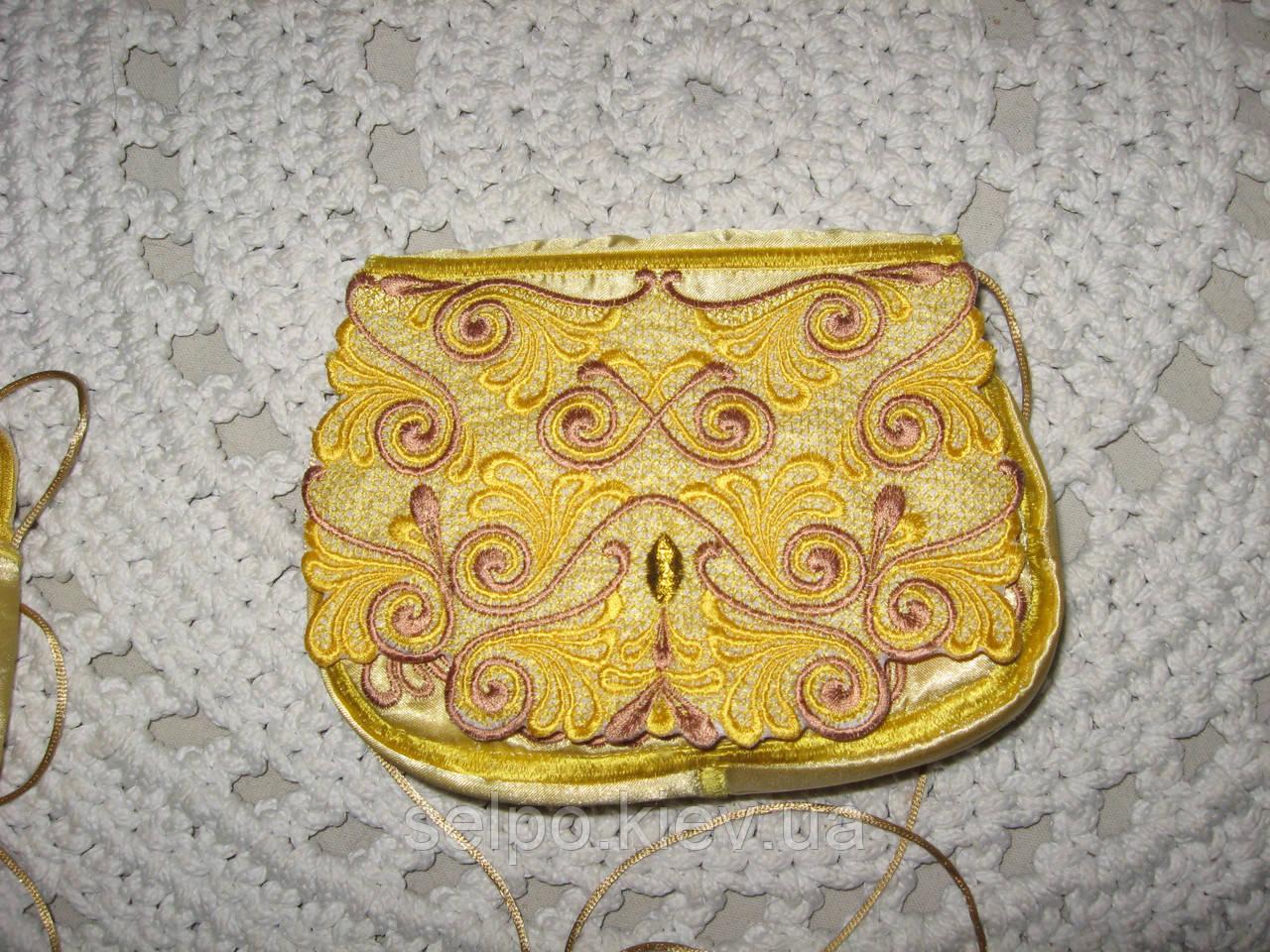 Клатч,сумочка, ярко-розовая. золотой