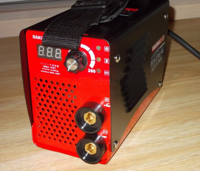 Сварочный инвертор SAKUMA SMMA260EA (в чемодане)