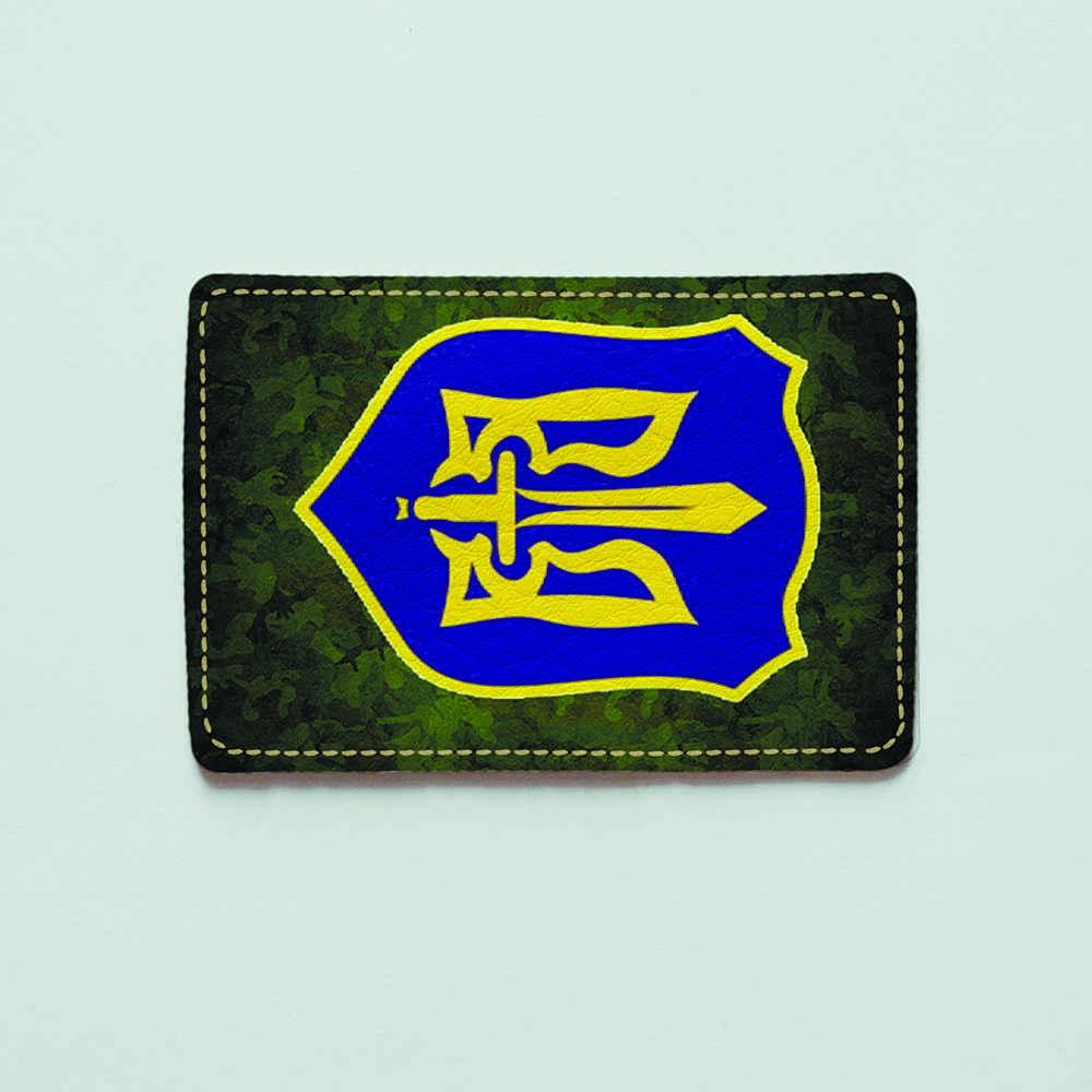 Картхолдер Fisher Gifts 875 Герб на фоне хаки (эко-кожа)
