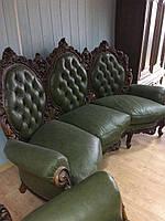 Комплект мягкой кожаной мебели  диван и два кресла 2 половина 20 века