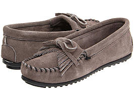 Туфли без каблука (Оригинал) Minnetonka Kilty Suede Moc Medium Grey Suede