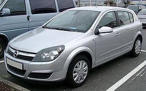 Лобовое стекло на Opel Astra H (Опель Астра Ейч) (Седан, Комби, Хетчбек) (2004-2010), фото 2