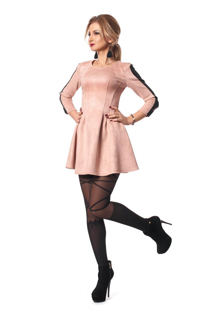 Стильное платье мини облегающего кроя из замша.