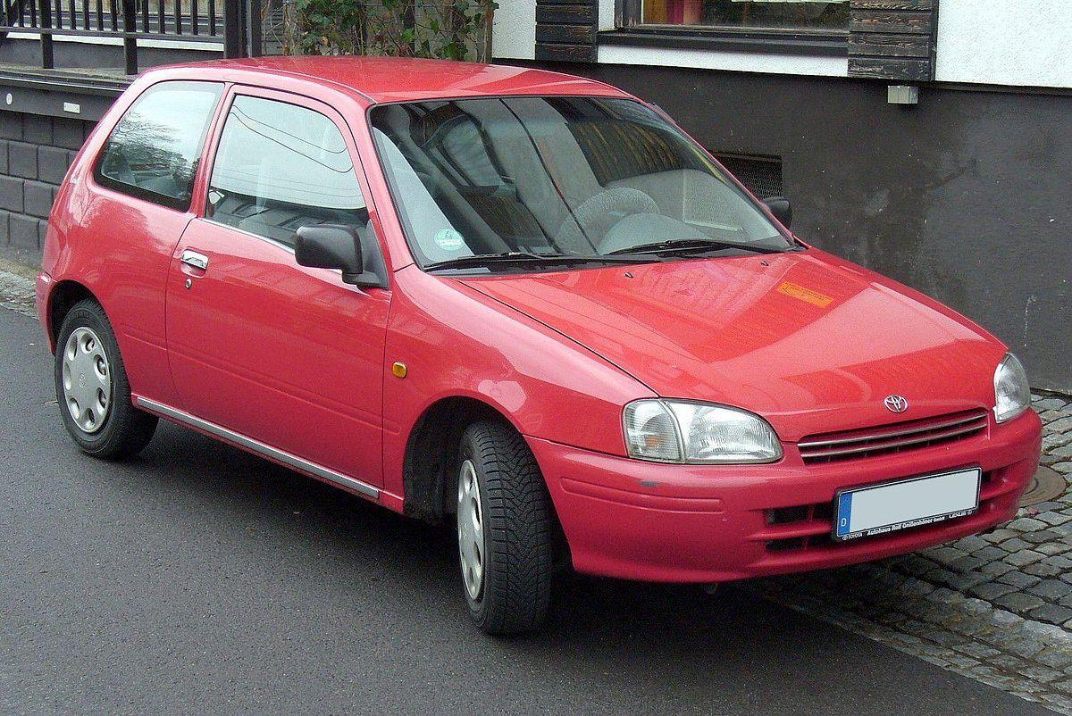 Лобовое стекло на Toyota Starlet (Хетчбек) (1996-1999)