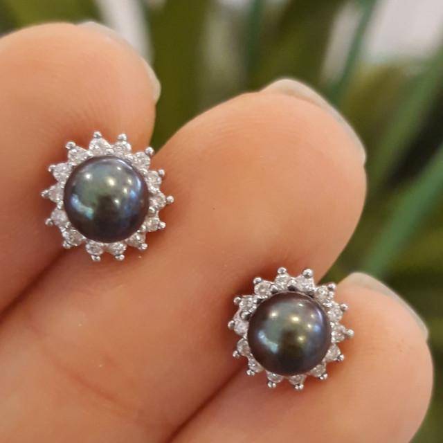 Пусеты белое золото с жемчугом - Серьги с черным жемчугом и бриллиантами фото 3