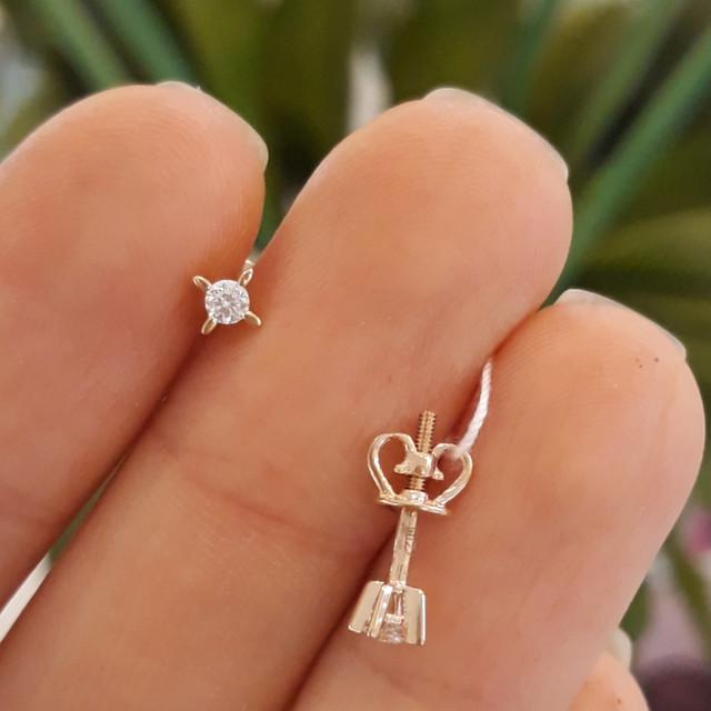 Золотые серьги гвоздики с одним камнем фото 1
