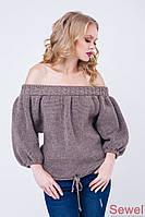Вязаный женский свитер со спущенным плечом