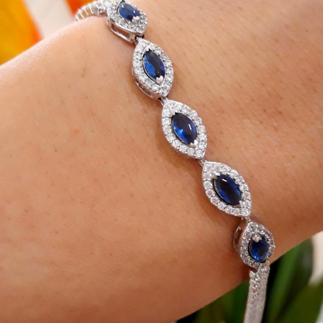 Серебряный браслет с синими камнями под сапфир