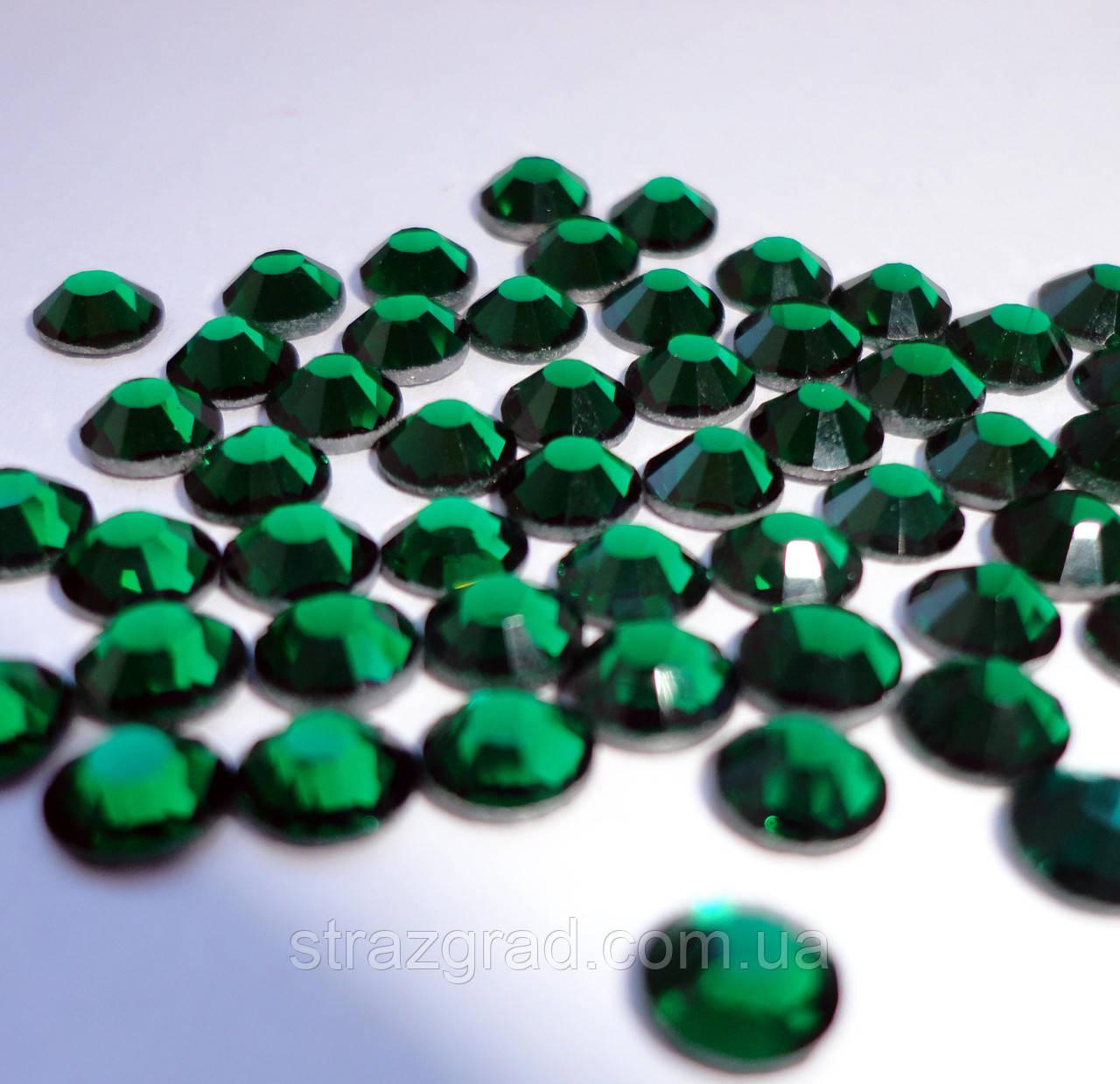 Стразы DMC Emerald  SS 20 Hot Fix 1440 шт.