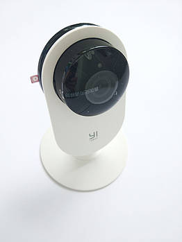 IP-камера Xiaomi YI Home IP Camera 1080p International белая YI-87025