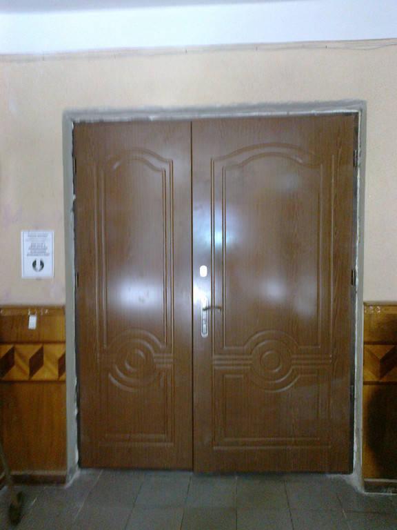 Внутренняя бронированная двухстворчатая дверь с МДФ накладками