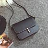 Женская маленькая сумочка на защелке черная оптом из экокожи опт