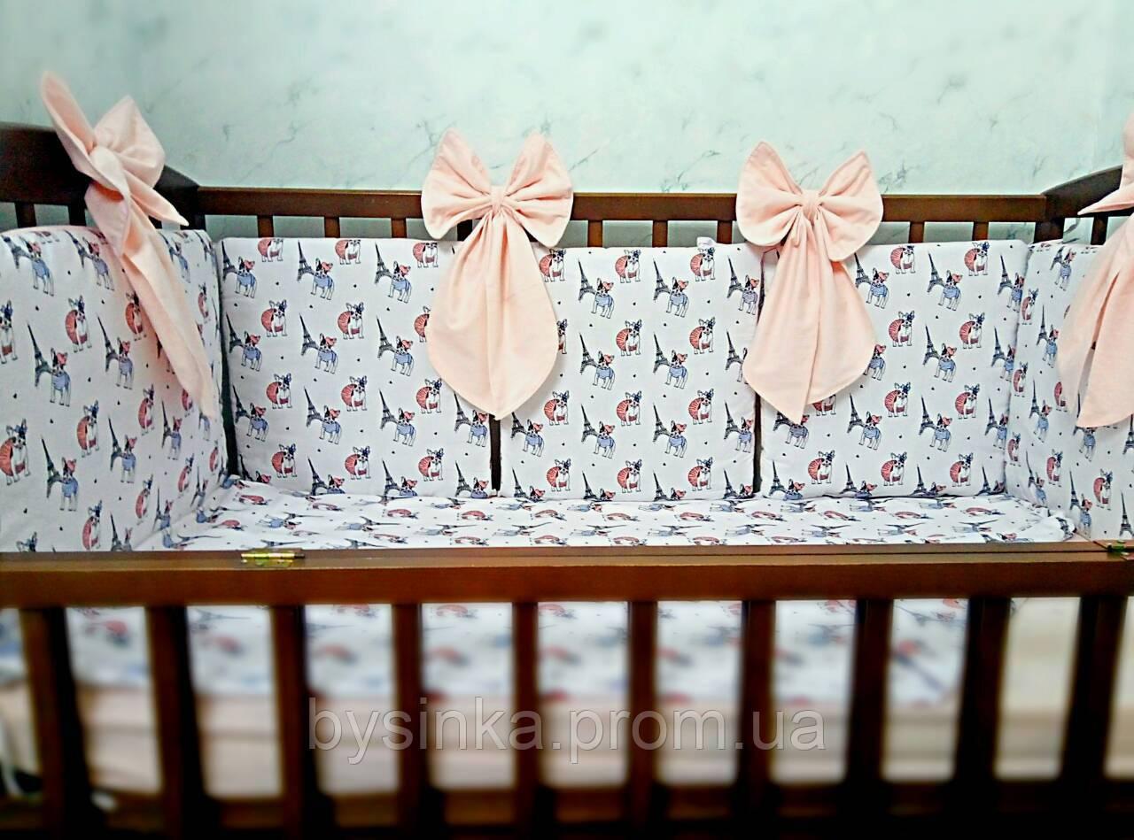 Двухсторонний постельный комплект с бортиками подушечками в кроватку новорожденного-4 ед.