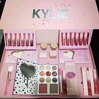 Подарочный набор косметики Kylie  (реплика)