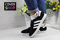 Кроссовки женские adidas Gazelle, цвет - черно-белый, материал - замша