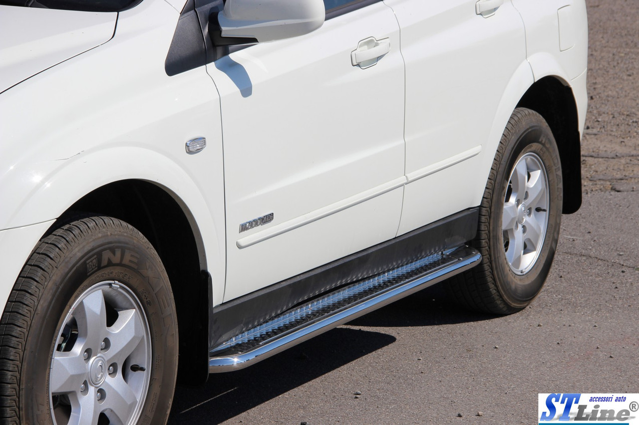 Бічні підніжки Premium на авто SsangYong Kyron 2008+ рр. (пара, нерж)