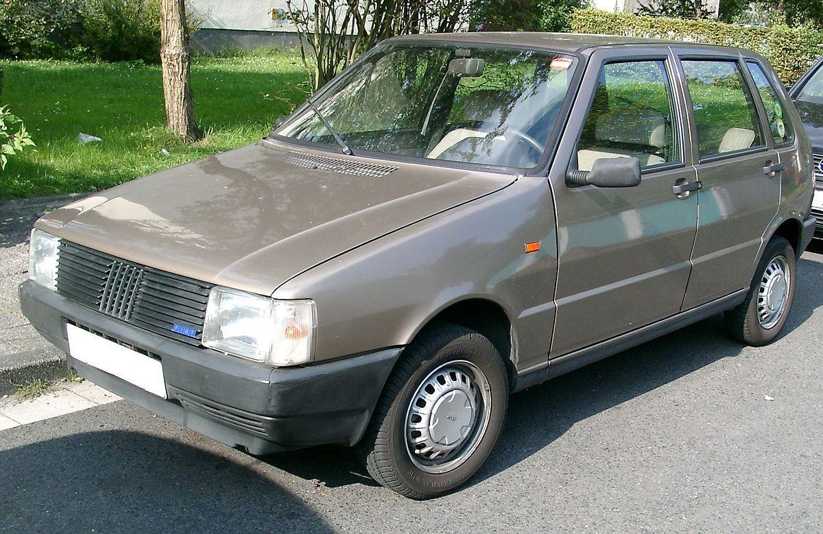 Лобовое стекло на Fiat Uno/Fiorino (Хетчбек, Минивэн) (1982-1988)
