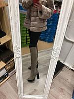 Зимние натуральные замшевые сапоги ботфорты на каблуке бежевые