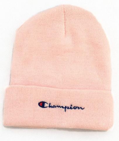Зимняя шапка розовая с логотипом Champion в стиле унисекс мужская женская