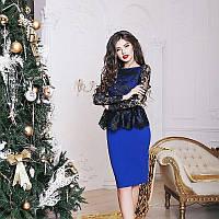 Платье футляр синего цвета с черным гипюровым верхом