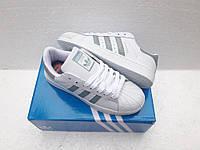Женские Кроссовки Adidas Superstar белые с зеленым кожа