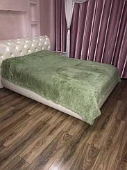 Покрывало на кровать с длинным ворсом меховое  220х240 цвет оливковый