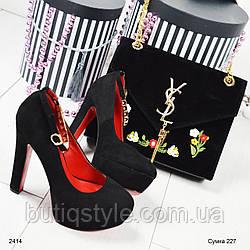 Стильная женская велюровая чёрная сумка с вышивкой