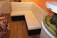 Мягкий уголок со спальным местом в небольшую кухню