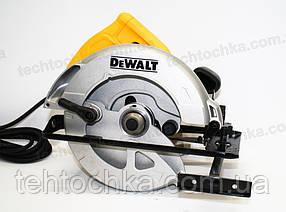 Циркулярка DeWALT DWE560