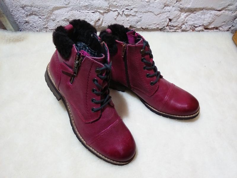 Красивые кожаные женские ботинки